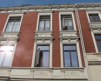 stadthaus holzfenster
